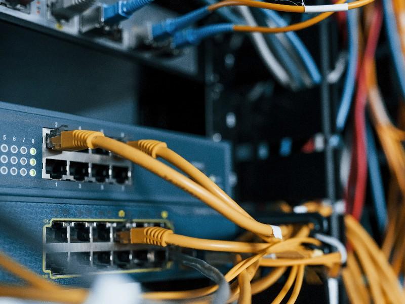 Confiez votre installation de câble RJ45 à un professionnel à Saint-Ouen-l'Aumône | RESTOR