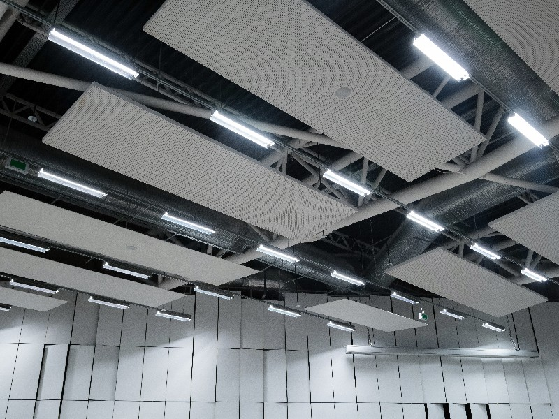 Contactez notre entreprise pour optimaliser la luminosité dans votre hangar à Saint-Ouen-l'Aumône | RESTOR