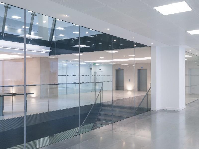 Des experts en installation d'éclairage pour entreprise à Val-d'Oise, en Île-de-France | RESTOR